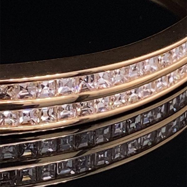 Diamond set, yellow gold hinged bangle