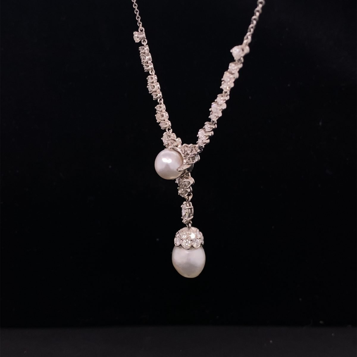 Natural pearl and diamond necklet