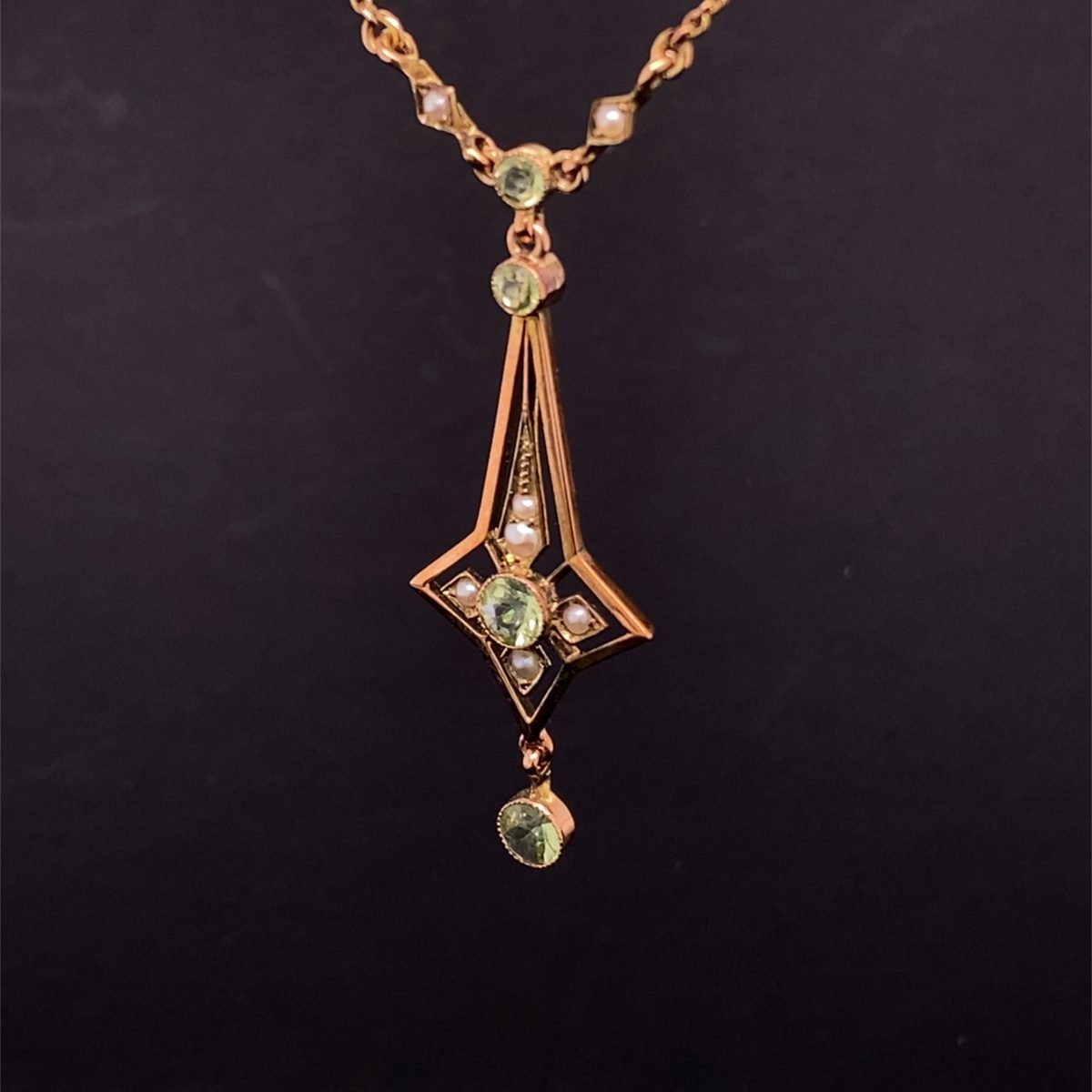 Peridot and pearl Art Deco necklet