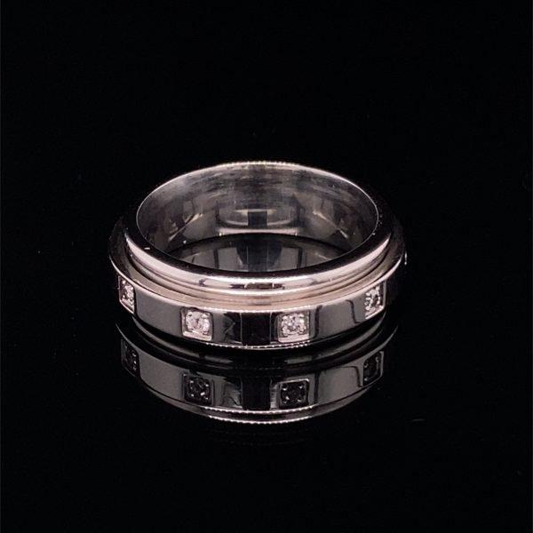 Diamond set spinner ring