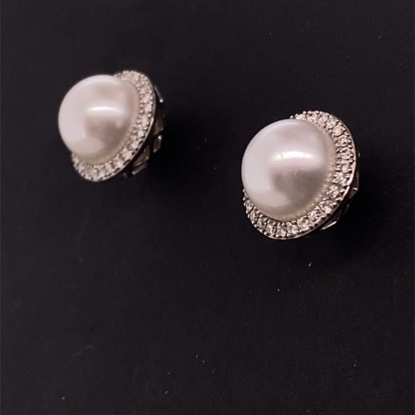 Pearl and diamond cluster earring