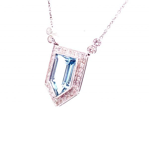 Art Deco style aquamarine and diamond necklet