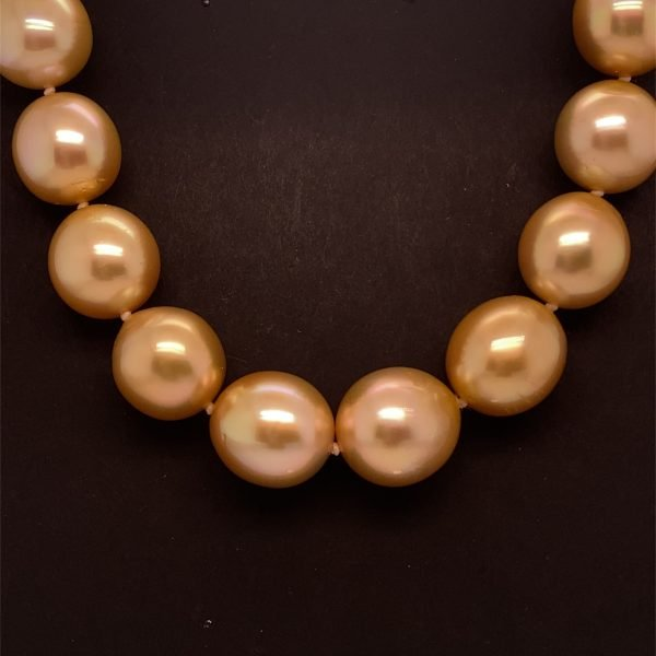 Golden South Sea necklet